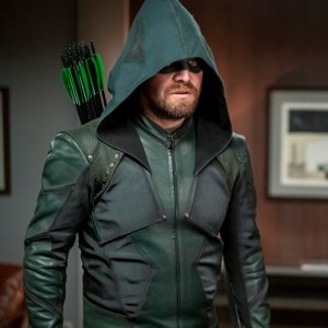 Arrow S8Stephen Amell