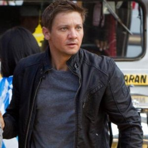 bourne-legacy-aaron-cross-leather-jacket-for-mens