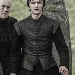 game-of-thrones-season-7-bran-stark-leather-vests