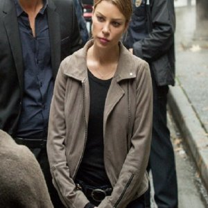 lucifer-chloe-decker-gray-jacket